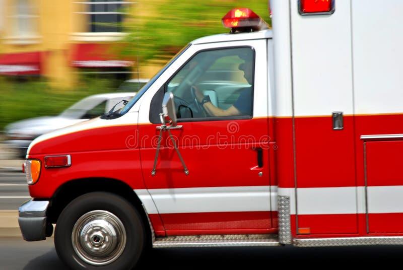 救护车加速 免版税库存照片