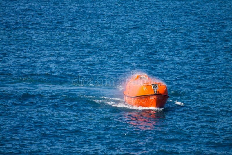 救生艇或近海处救助艇,近海处安全标准 图库摄影