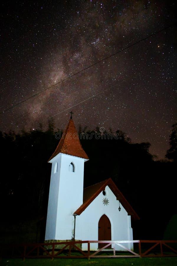 教会和银河 库存照片