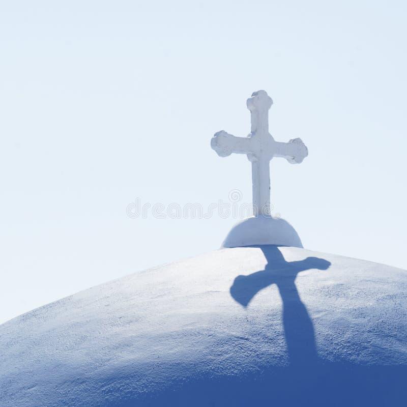 教会圆顶在桑托林岛 免版税库存照片