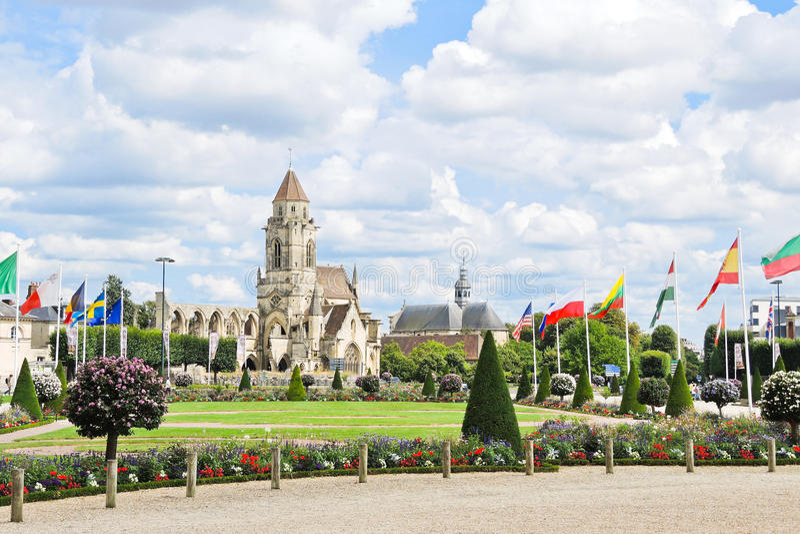 教会圣徒艾蒂安levieux在凯恩,法国 库存照片