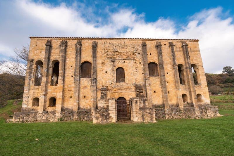 教会圣玛丽亚del Naranco奥维耶多阿斯图里亚斯西班牙 库存图片
