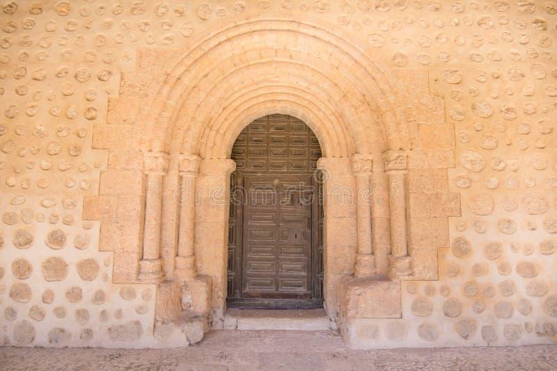 教会圣米格尔火山的外门在圣埃斯特万de Gorma 免版税库存图片