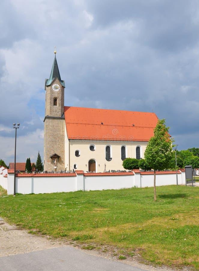 教会圣西蒙和Judas Thaddï ¿ ½我们在Moos (Kurzenisarhofen),巴伐利亚 免版税库存照片