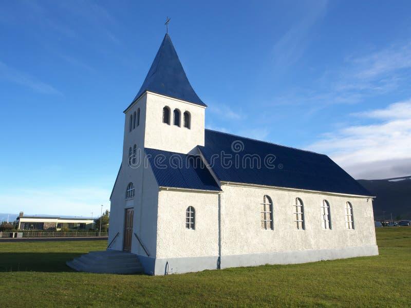 教会在冰岛的北部的Hofsos 免版税库存图片