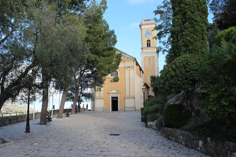 教会在Eze村庄,法国 免版税库存图片