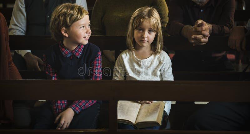 教会孩子相信信念宗教家庭 免版税库存图片