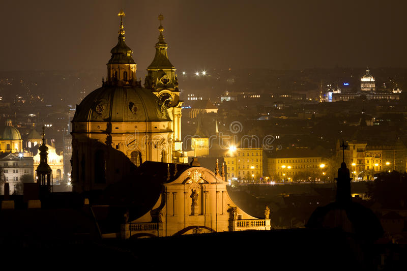 教会少许尼古拉斯方形st城镇 免版税库存图片