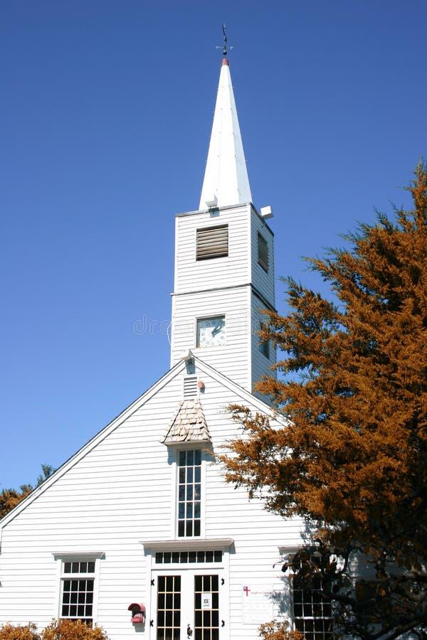 教会尖顶白色 免版税库存照片