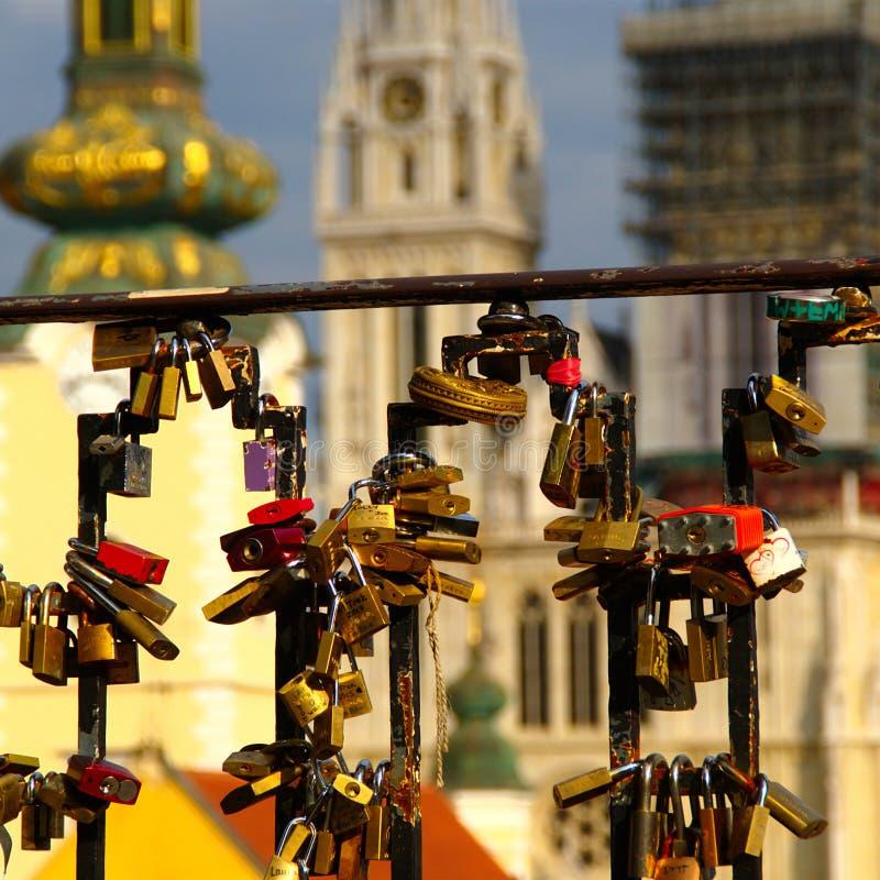 教会尖顶,萨格勒布,克罗地亚 库存照片