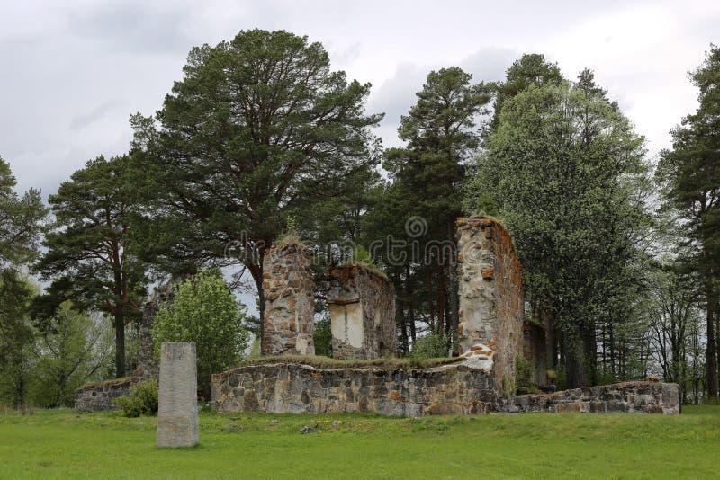 教会废墟在Sunne在Jamtland县,瑞典 免版税库存图片