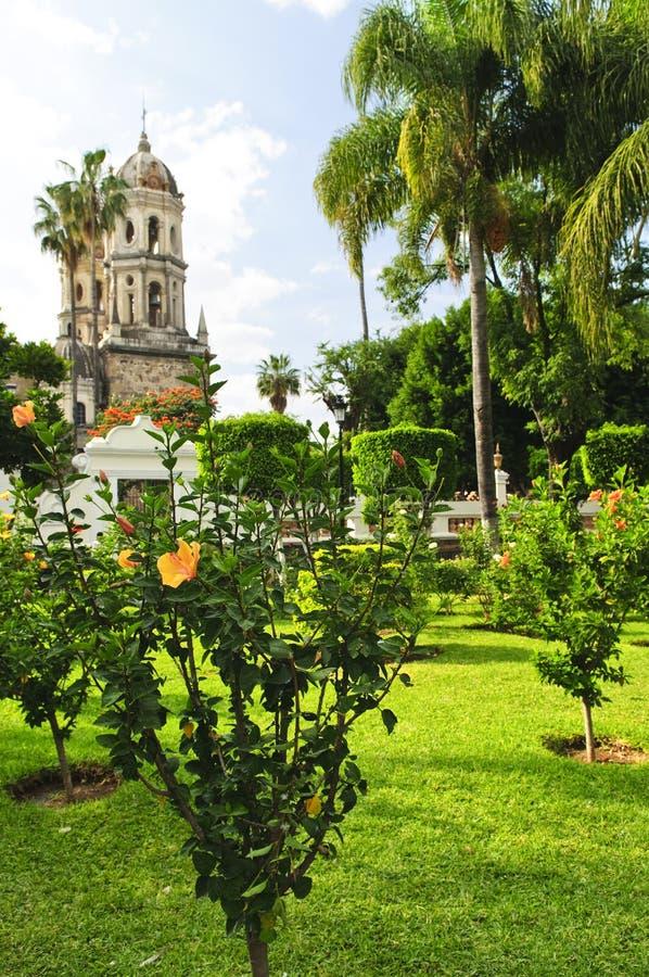 教会庭院瓜达拉哈拉jalisco墨西哥 库存照片