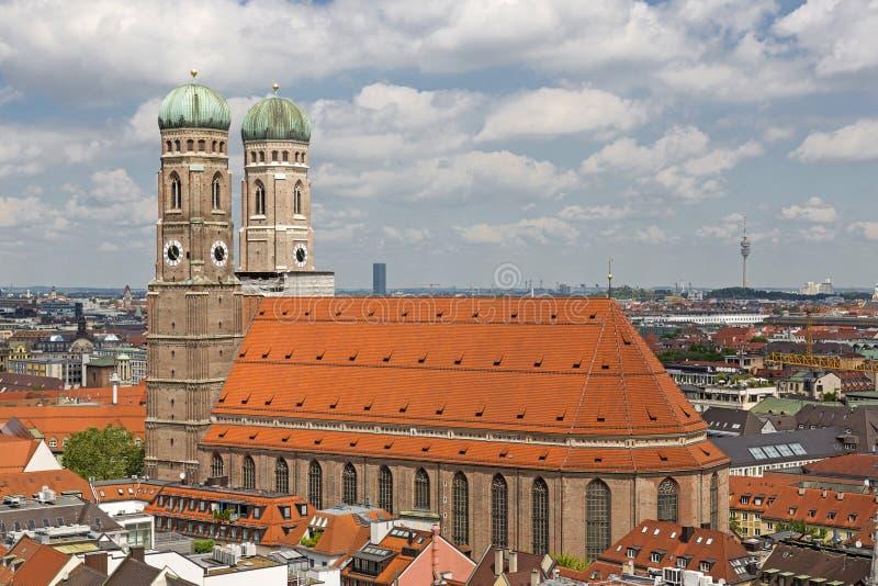 教会我们的夫人(Frauenkirche)在慕尼黑,德国 免版税库存照片