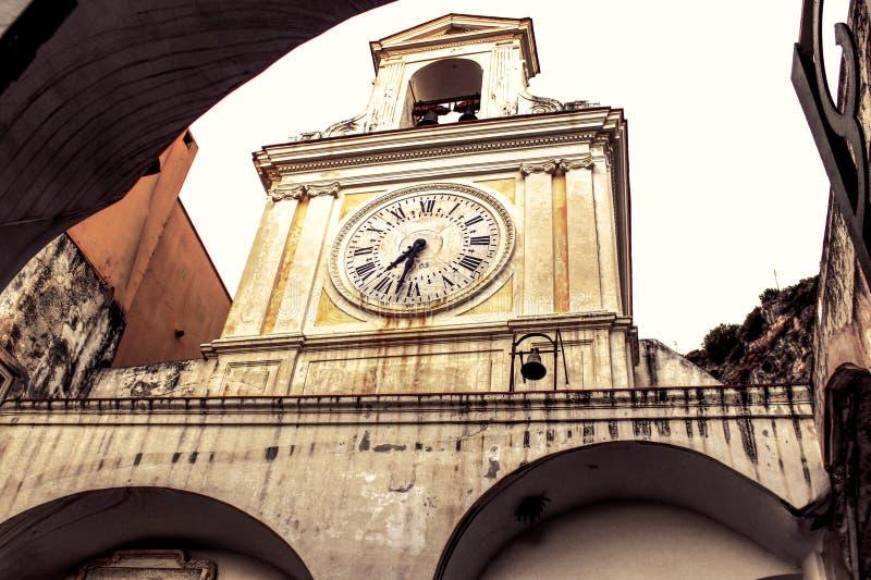 教会时钟-阿马尔菲海岸 库存图片