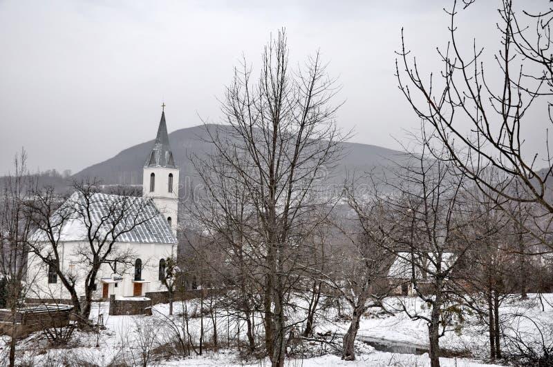 教会村庄 免版税库存照片