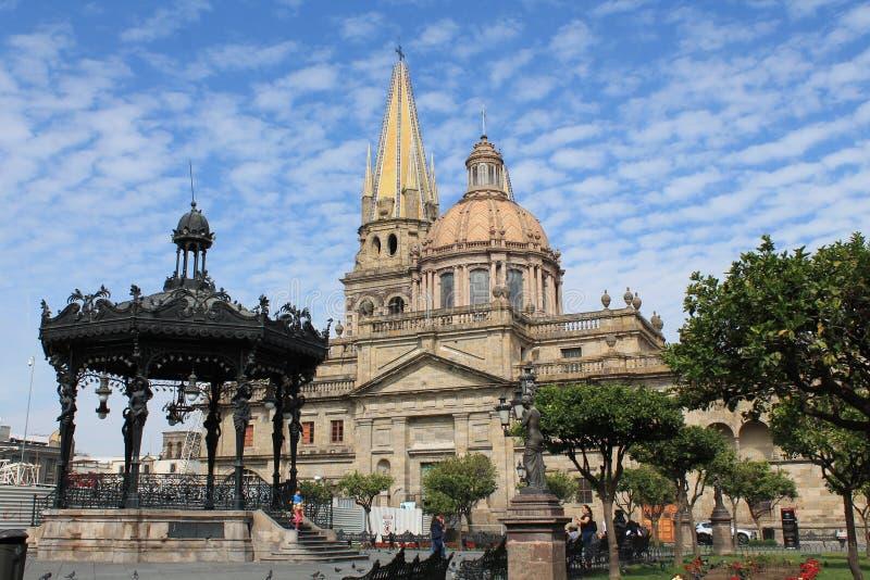 教会正方形在瓜达拉哈拉,墨西哥 库存照片