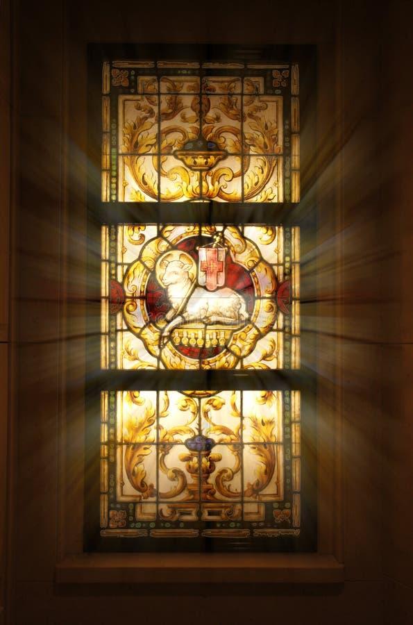 教会玻璃弄脏了视窗 免版税图库摄影