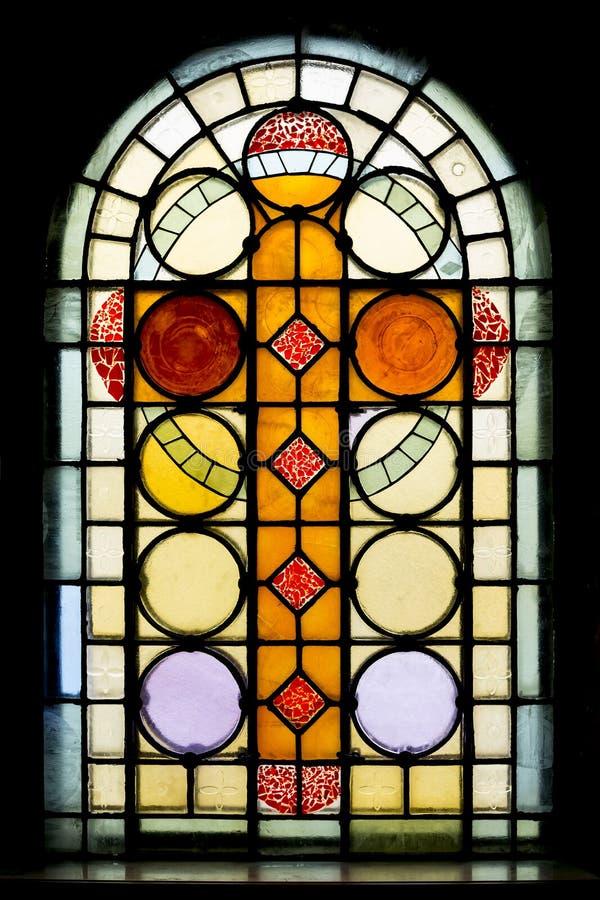 教会玻璃弄脏了视窗 库存图片