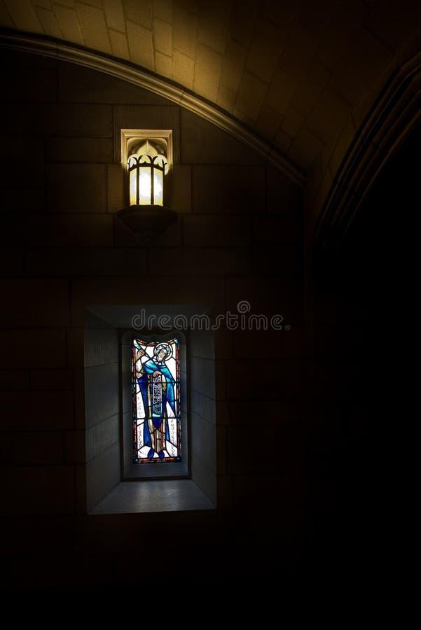 教会玻璃弄脏了 免版税库存照片