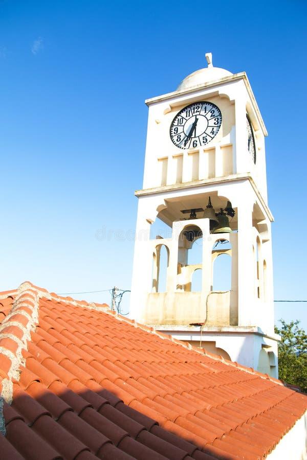 教会的从希腊海岛的钟楼 库存图片