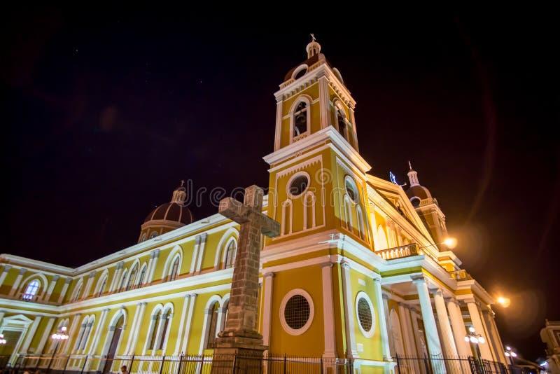 教会的夜视图在格拉纳达 免版税库存照片