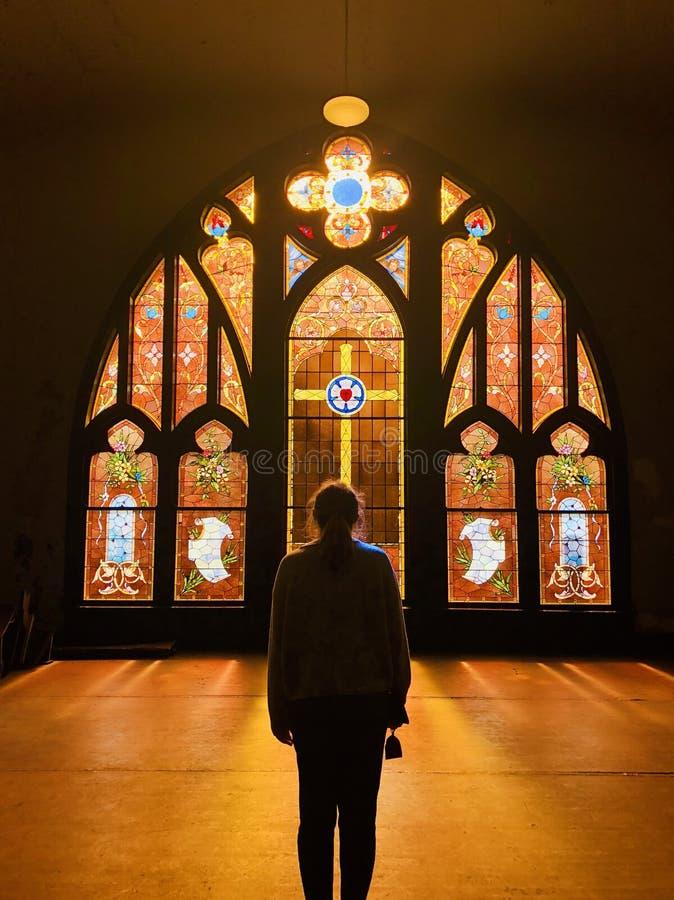教会窗口彩色玻璃 库存照片
