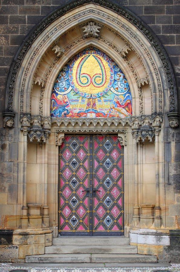 教会门入口保罗・彼得st 免版税图库摄影