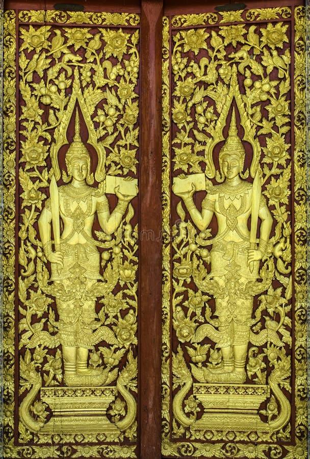 教会门的样式在寺庙泰国的 免版税库存照片