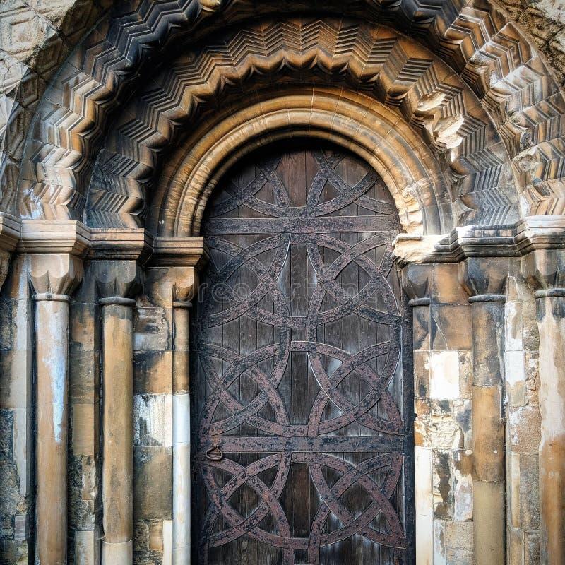 教会门,华丽拱道medievil, 免版税图库摄影