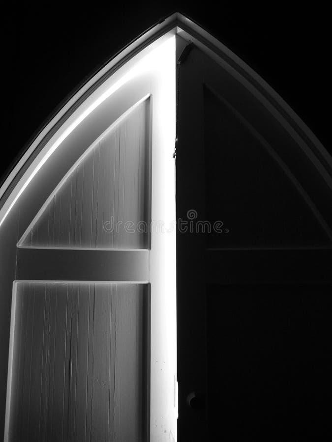 教会:被成拱形的门 图库摄影