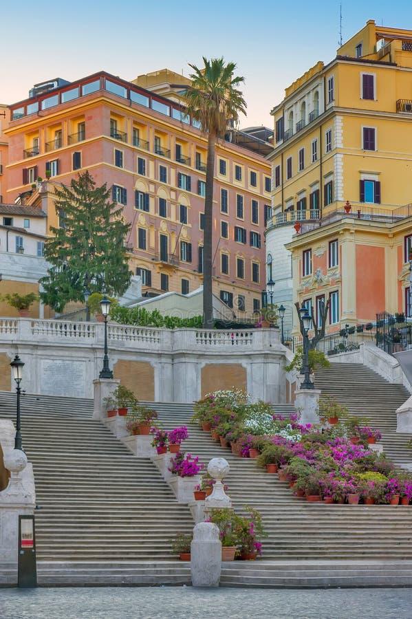 教会dei意大利monti罗马西班牙步骤冠上trinit 免版税图库摄影