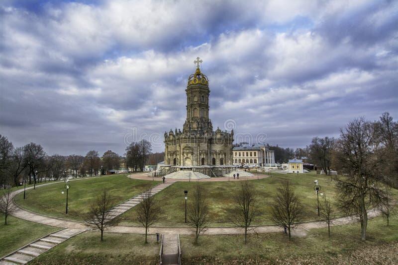 教会dubrovitsy圣洁符号贞女 库存图片