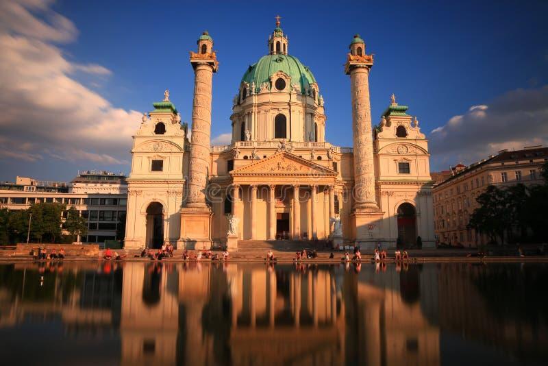 教会karls维也纳 免版税库存照片