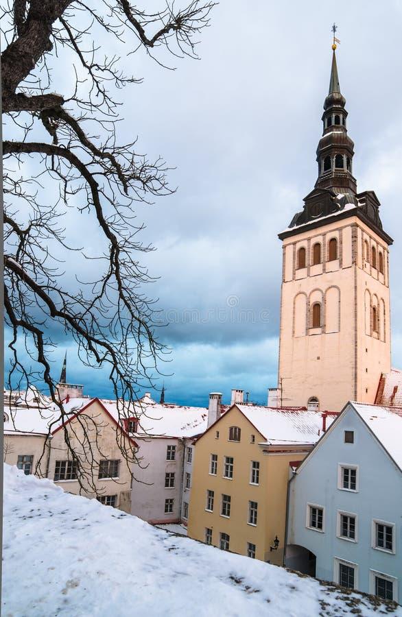 教会Niguliste,老塔林的看法 库存照片