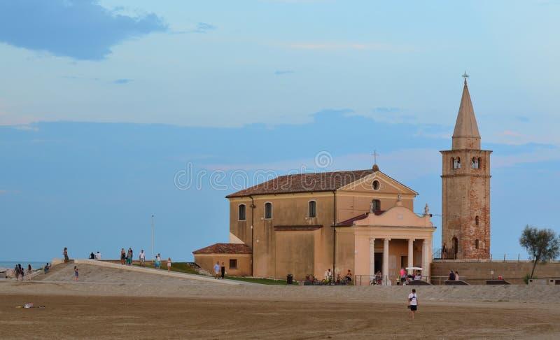 教会Santuario della玛丹娜小山谷`安吉洛,重建在第17 免版税图库摄影