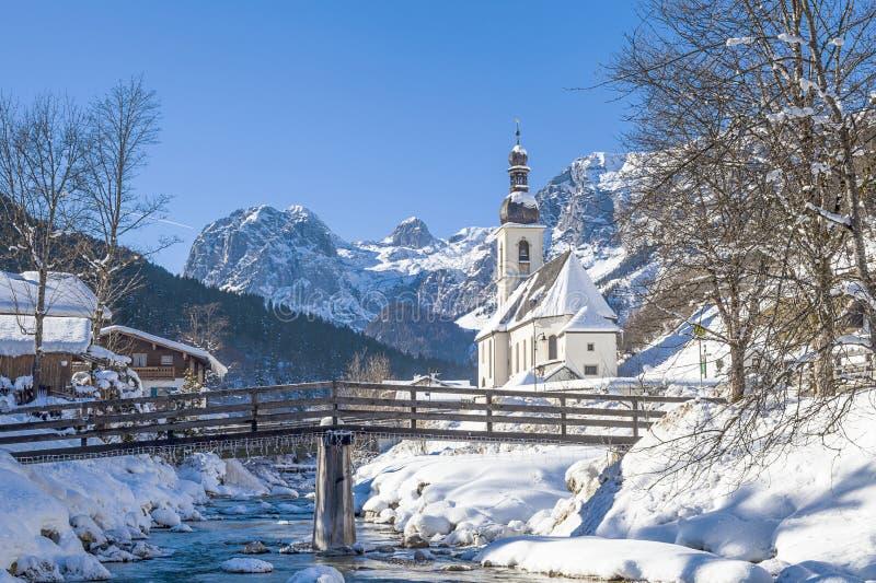 教区教堂圣巴斯弟盎, Ramsau,贝希特斯加登,巴伐利亚,南德国 免版税库存图片