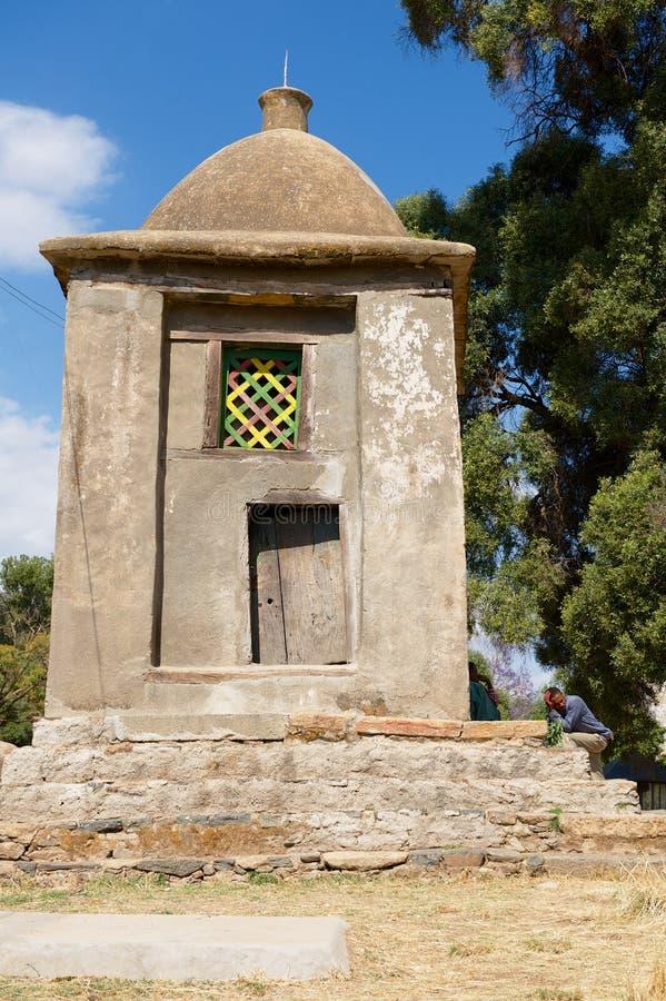 教堂巢向埃赛俄比亚的皇帝来在Aksum,埃塞俄比亚被加冠锡安教会,传统地方的圣玛丽  库存图片