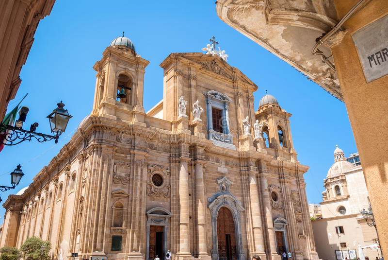 主教堂,马尔萨拉,特拉帕尼,西西里岛大教堂  免版税库存图片