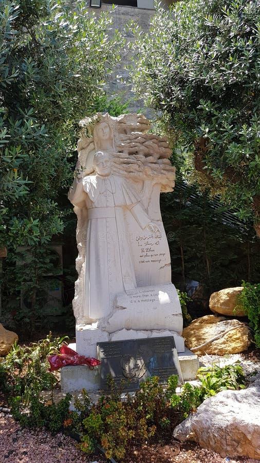 教皇约翰・保罗二世纪念碑在我们的夫人黎巴嫩,Harissa,黎巴嫩朝圣站点  免版税库存照片