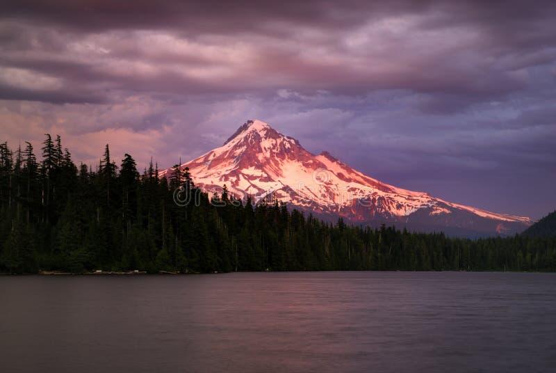 敞篷湖失去的mt俄勒冈 库存图片