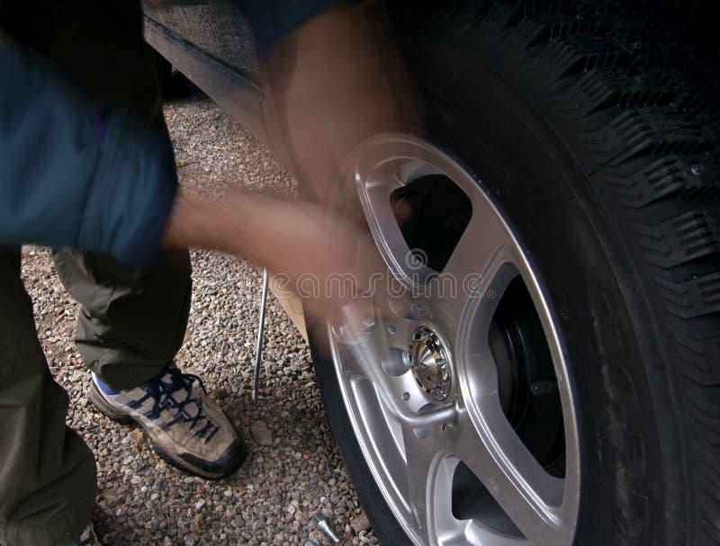 Download 散布的防滑轮胎 库存图片. 图片 包括有 轮胎, 驱动器, 汽车, 散布, 深度, 自动, 业务量, 投反对票 - 62536009