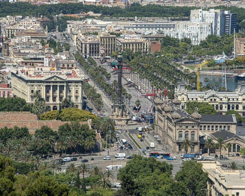 散步在巴塞罗那,加泰罗尼亚的自治权的首都的全景 r 图库摄影