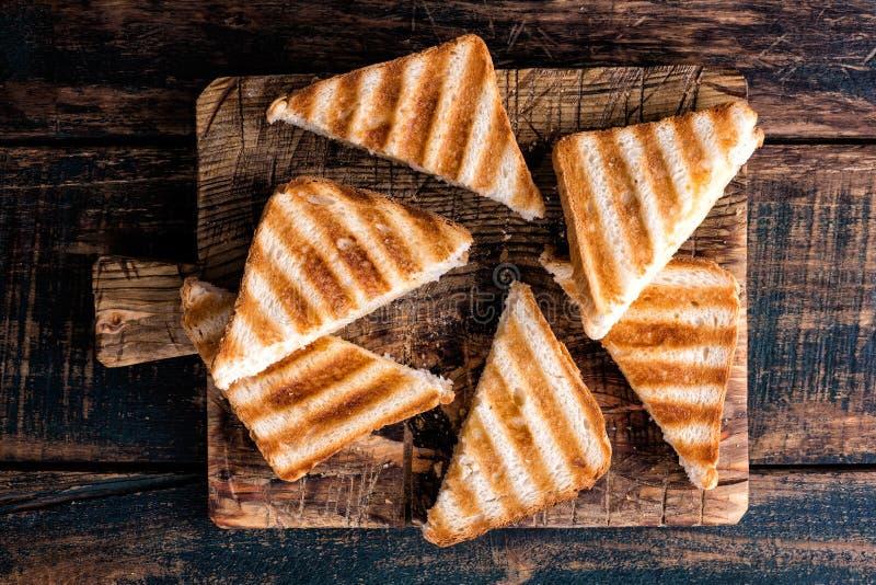敬酒的三明治panini用火腿和乳酪 免版税库存图片