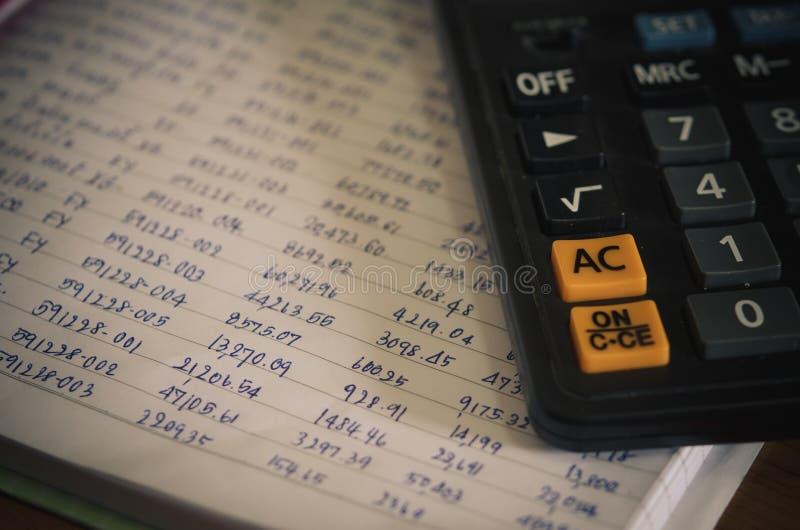 数字和财政计算器 图库摄影