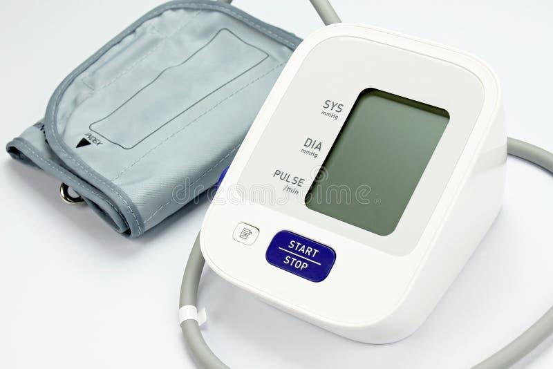 数字式血压显示器,医疗和审查的设备 库存图片