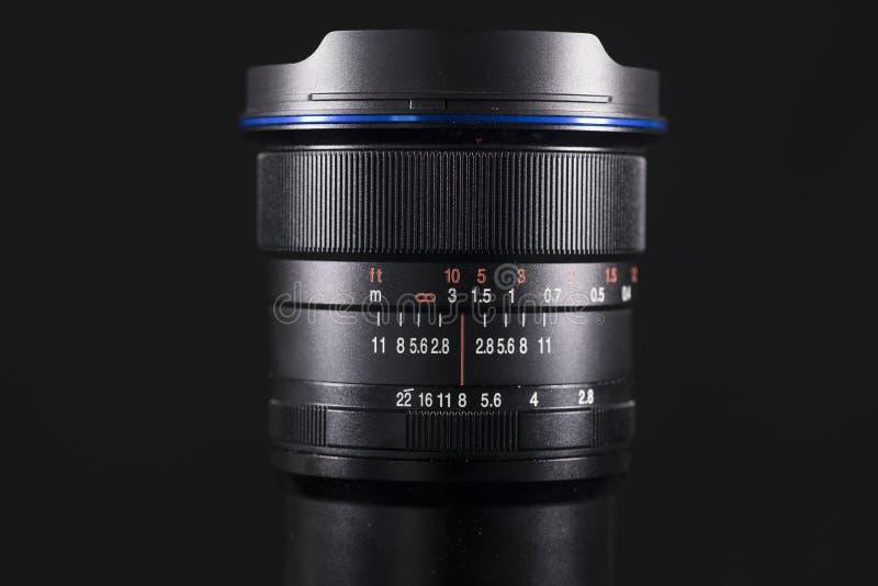 数字照相机透镜有黑暗的背景 免版税库存图片