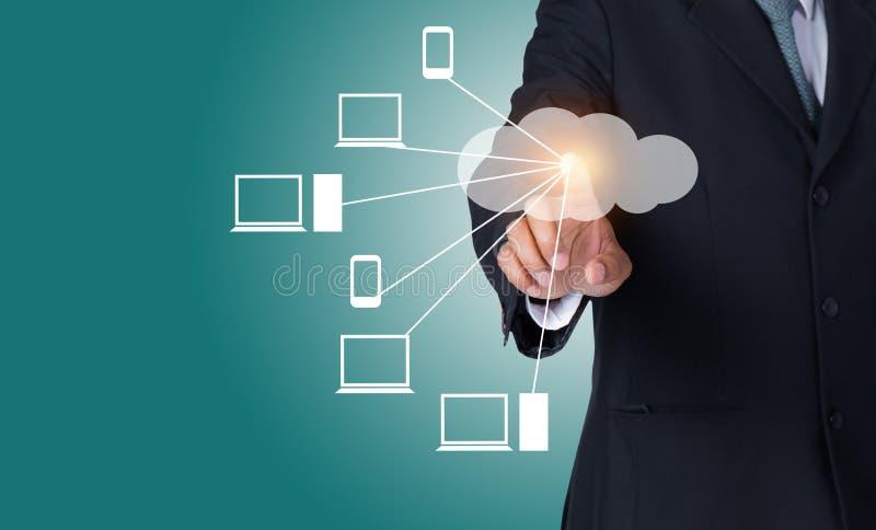 数据传输和云彩计算的概念与网络 免版税图库摄影