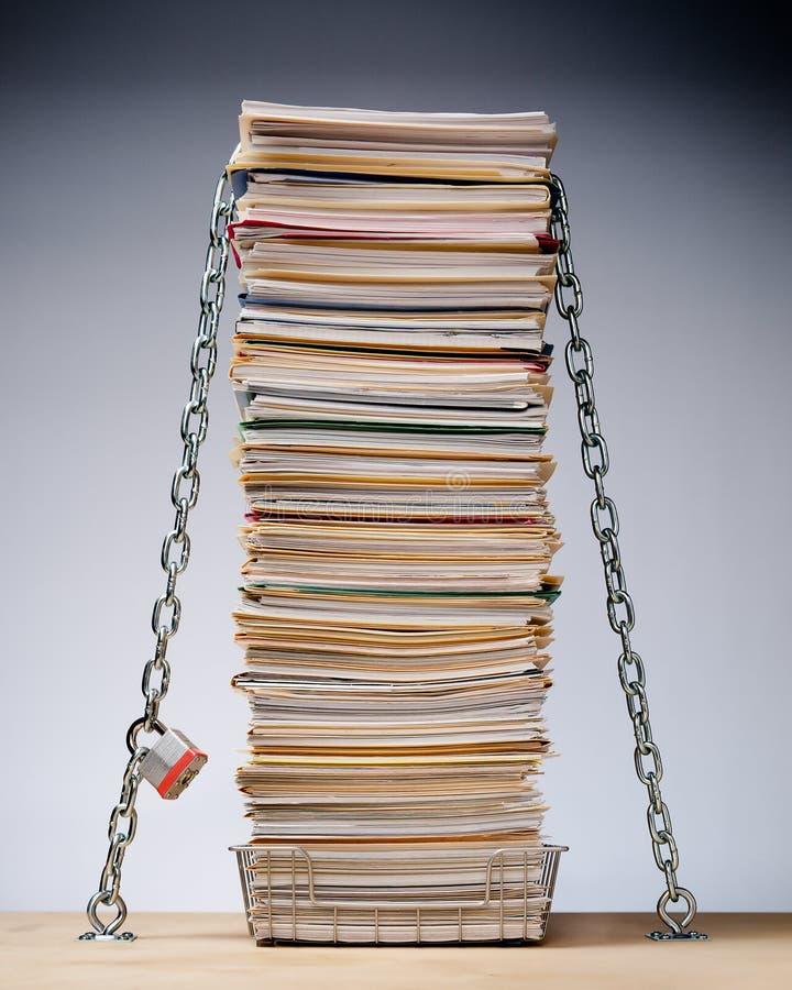 数据文件巩固与锁和链子 库存照片