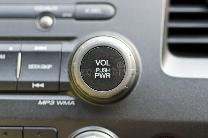 数量在汽车的次幂电钮 免版税库存照片