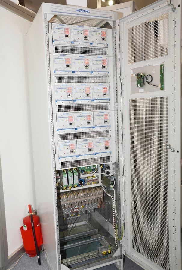 整流器,电机设备 整流器是转换交变电流AC的电子设备 免版税图库摄影
